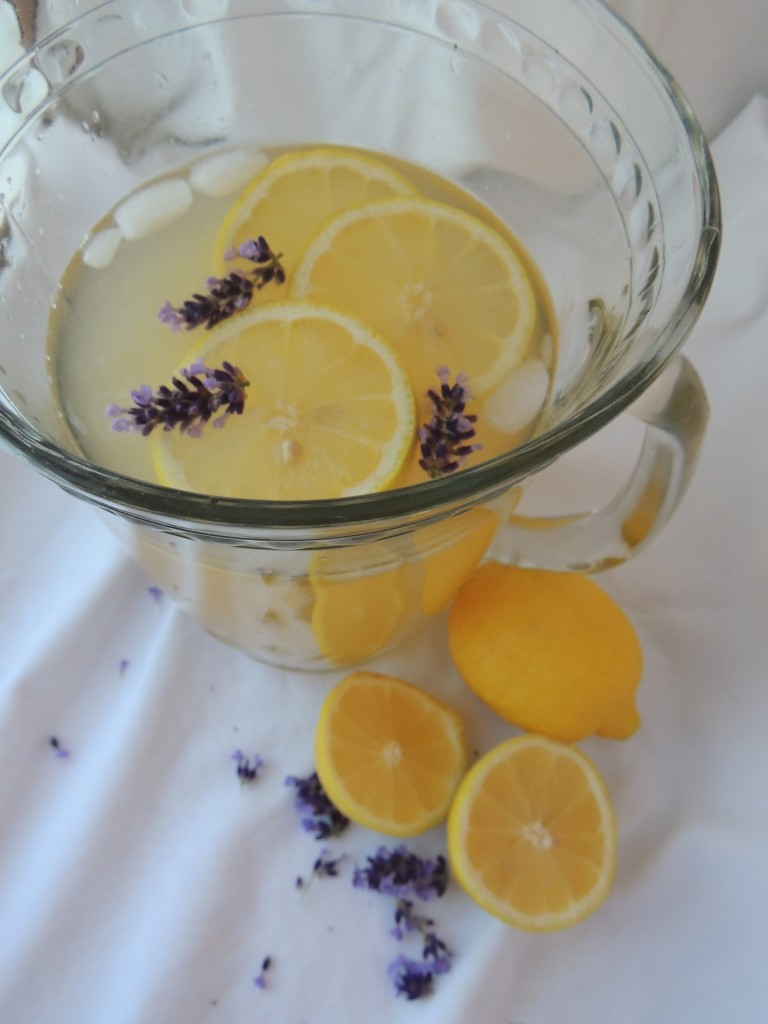 Lavender Lemonade Recipe -- A sweet and refreshing drink made with honey. I think I may even like this more than regular lemonade!