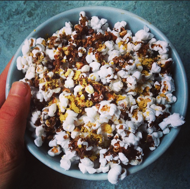 Popcorn with soy sauce
