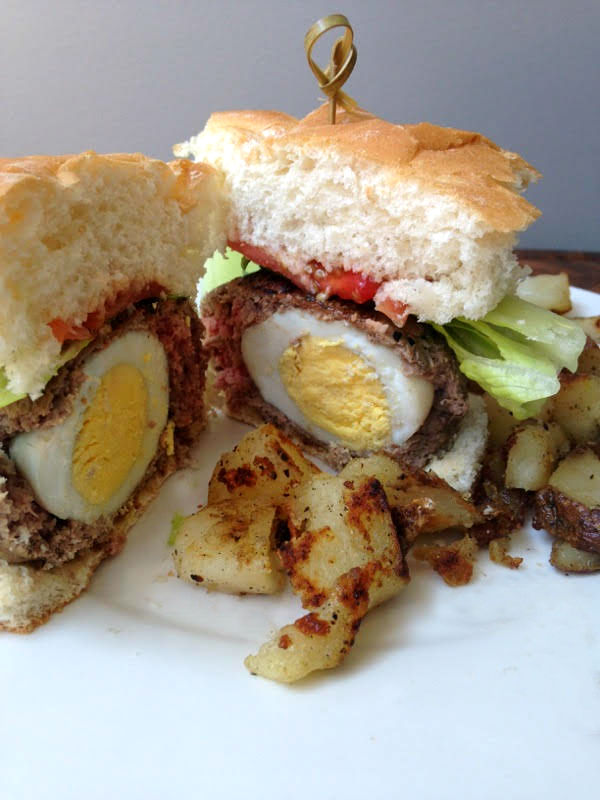 Whip up this scotch egg breakfast burger recipe for a protein packed meal to power you through 'til lunch! #ad #beefcheckoff