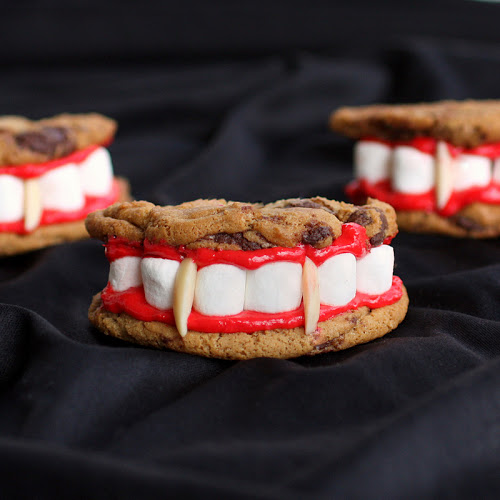 Scary Good Desserts for Halloween -- A roundup of recipes that will be the hit of your Halloween party!