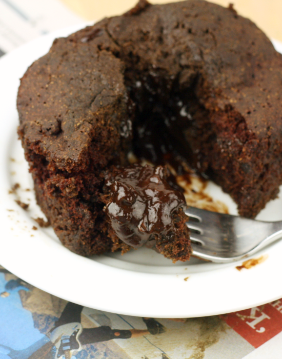 Single Serving Lava Cake - Foodie Fiasco & 13 other single-serve recipes to #treatyoself with!