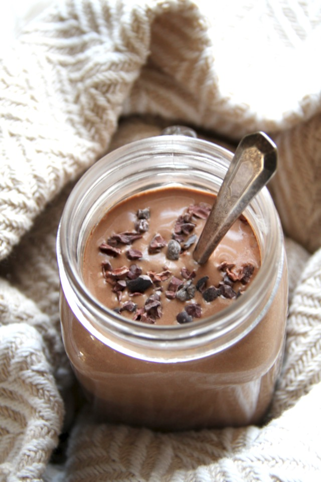 Hot Chocolate Breakfast Smoothie + 17 other smoothies with secretly healthy ingredients!