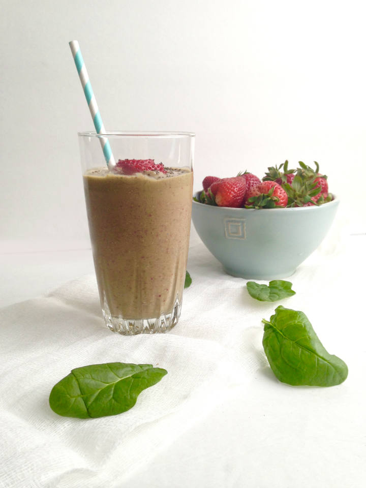 Strawberry Spinach Smoothie -- A healthy recipe inspired by my favorite springtime salad! Dairy-free and vegan-friendly.