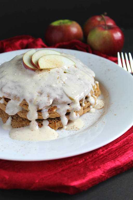 Fritter Apple Pancakes Recipe -- A secretly #healthy breakfast with all the flavor of an #apple fritter! Perfect for Sunday morning #brunch! | #vegetarian | #norefinedsugar | #pancakes | #breakfast | @sinfulnutrition | #thereciperedux