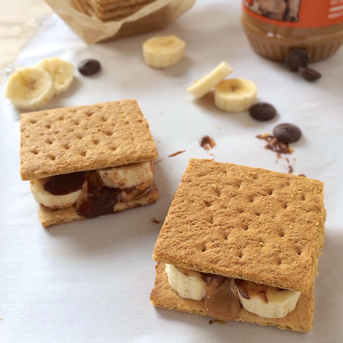 Peanut Butter S'mores + Unbelievably Delicious S'mores Recipes You Need to Make this Fall!