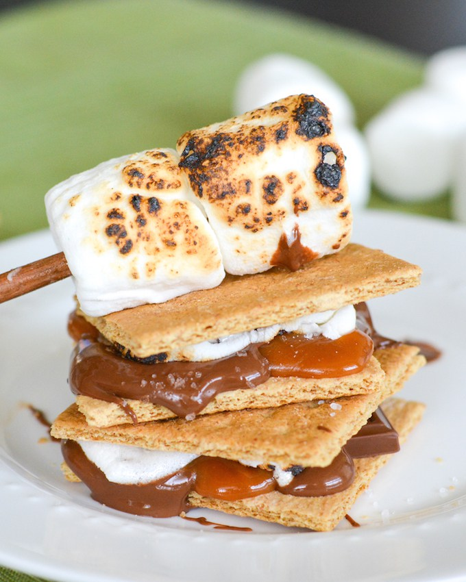 Indoor Salted Caramel S'mores + More S'mores Recipes You Need to Try this Fall!