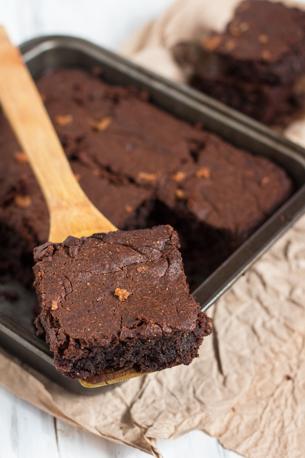 flourless-vegan-gingerbread-brownies4