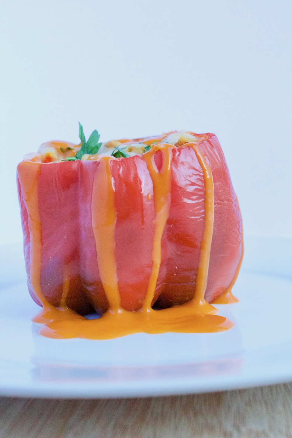 Buffalo Chicken Stuffed Peppers -- An easy and gluten-free dinner recipe that's perfect for football season! | @sinfulnutrition