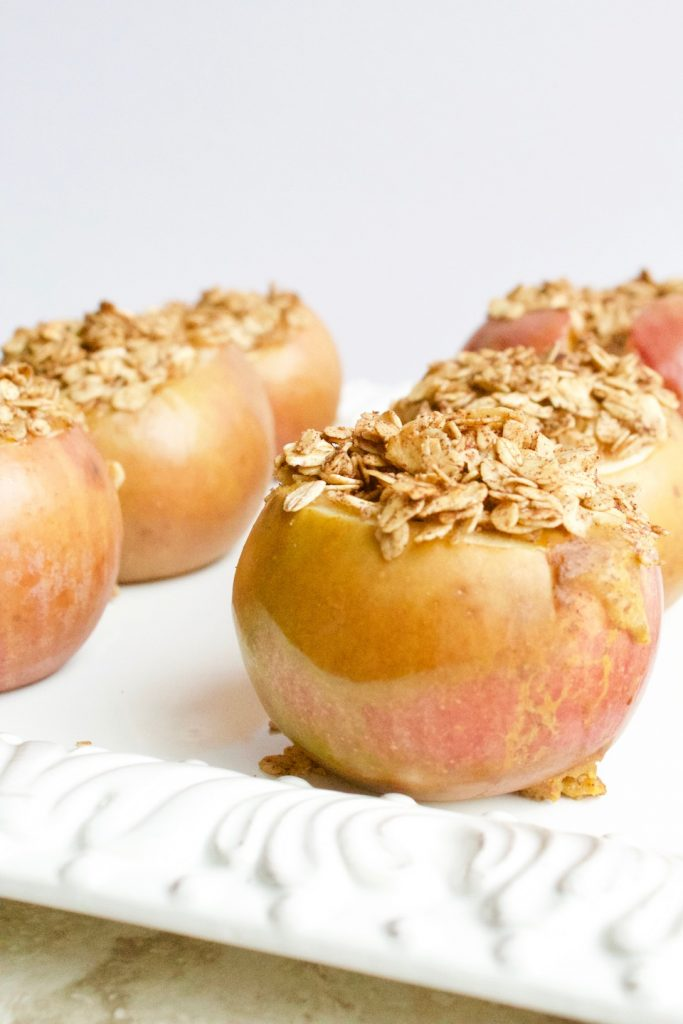 Pumpkin Pie Stuffed Baked Apples + VIDEO {Vegan, GF}