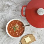 5 Minute Vegetarian Chili Recipe -- Made with only 5 ingredients that comes together in minutes. No cooking required! The easiest #meatless meal perfect for #lunch or #dinner! | #vegan | #glutenfree | @sinfulnutrition