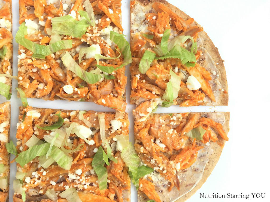 Buffalo Chicken Flatbread by Nutrition Starring YOU + other Buffalo-Inspired Eats (that aren't chicken wings) | @sinfulnutrition | #gameday | #appetizers
