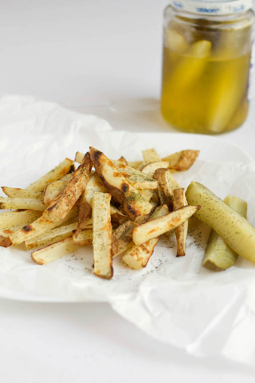 Dill Pickle Baked French Fries Recipe -- A #healthy french fry for #pickle lovers! | @sinfulnutrition | #pickles | #frenchfries | #frenchfry | #dillpickle | #potatoes | #dillpickles | #glutenfree | #vegan | #vegetarian