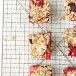 Healthy Mixed Berry Oatmeal Bars Recipe with Text